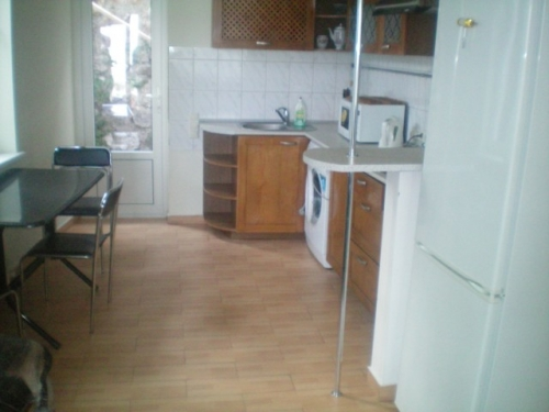 110- YALTA THREE ROOM RENTAL APARTMENTS