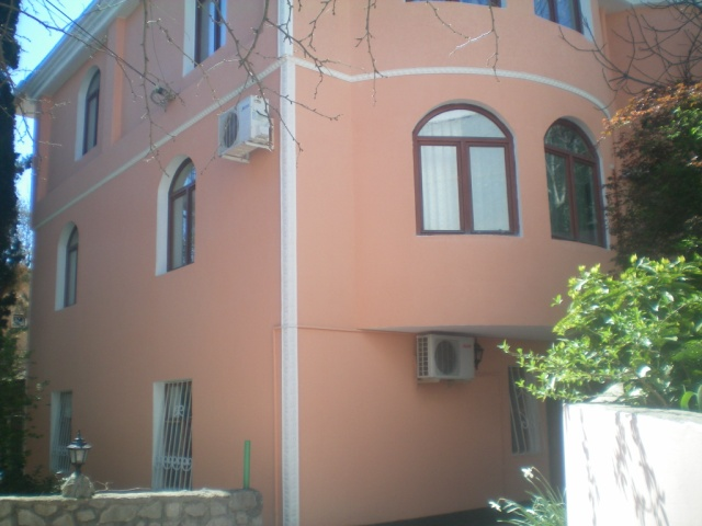 121-VILLA FOR RENT IN YALTA