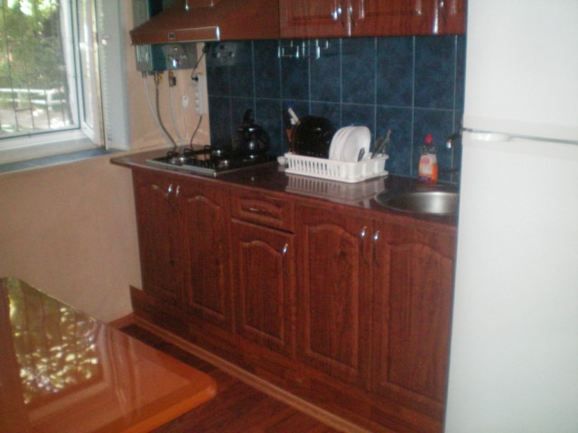 131- YALTA TWO BEDROOM RENTAL FLAT MASSANDRA BEACH