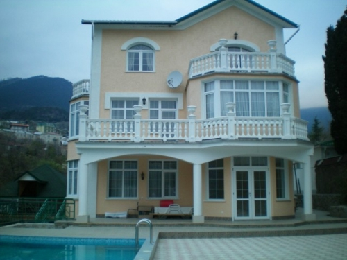 29- VILLA FOR RENT IN YALTA CRIMEA